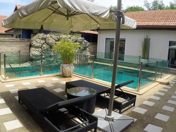 view talay villas house sale jomtien - Swimming Pool and Sun Deck