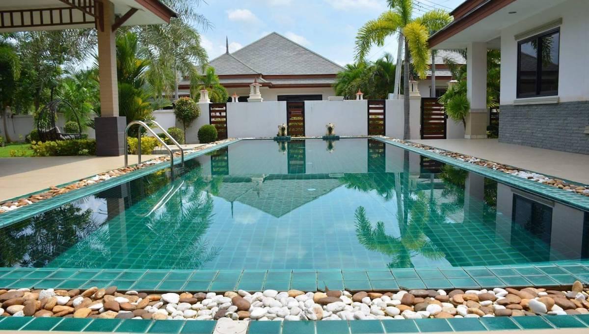 BAAN DUSIT PATTAYA LAKE 5 BEDROOMS