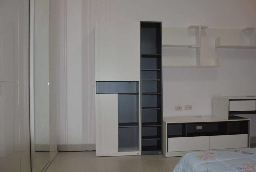 closet & cabinet