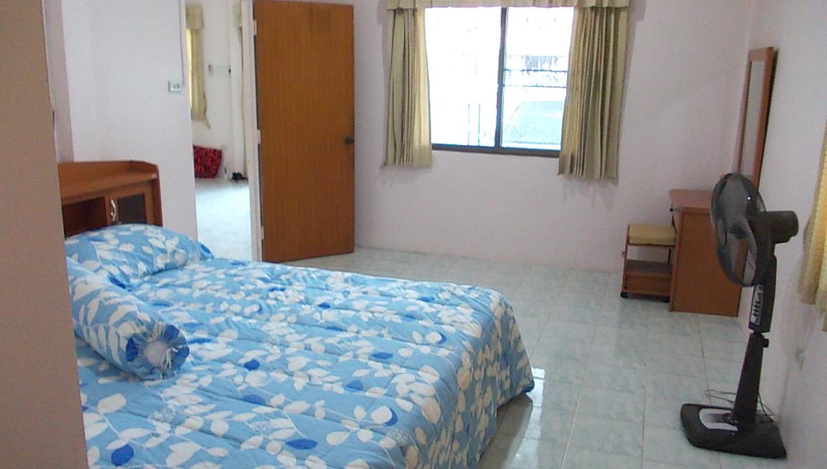 Master Bedroom 11.25.19 AM